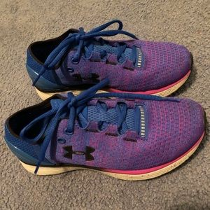 Under Armour Run Long Sneakers. Size 6.5